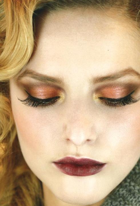 Maquillaje dorado navidades de dior