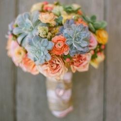 e novia rústicos y silvestres con colores anaranjados