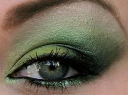 sombras verdes para ojos verdes o marrones. De qué color maquillarme o pintarme los ojos si los tengo de color verde?