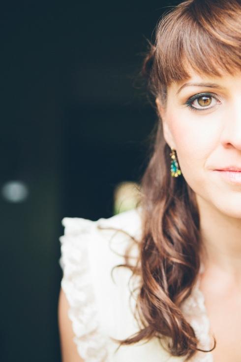 novia con ojos muy marcados