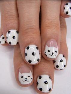 Cómo pintarme las uñas de manera original con dibujos de gatos