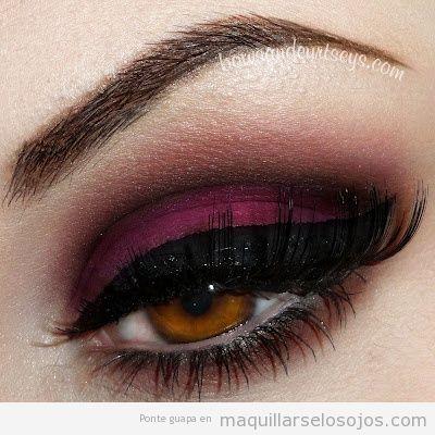 maquillaje-ojos-tonos-burdeos-negro