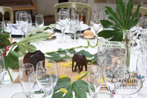 Decoración Boda Libro de la Selva basada en cuentos por envidienmiboda