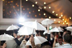 deco boda con paraguas
