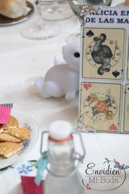 Decoracion de boda basada en Alicia en el pais de las maravillas por envidienmiboda