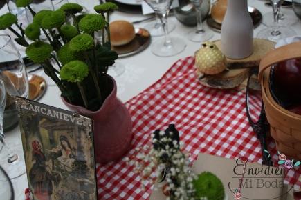 Decoración boda de la mesa de blancanieves