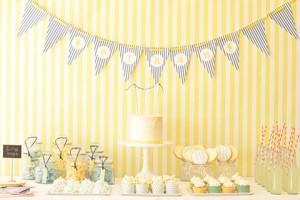 mesa-postres-en amarillo