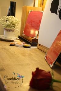 cómo decorar la mesa para el cuadro de las huellas