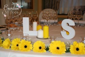 La mesa de boda de Lorena & Simón por EnvidienMiBoda