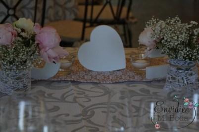 Mesas románticas naturales de la boda de Sandra & Edu