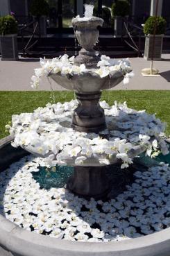 Arreglos florales fuentes de agua 12