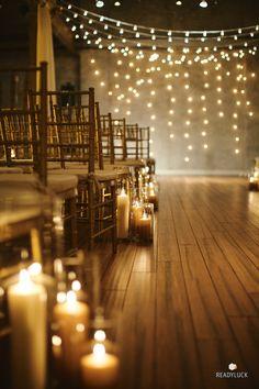 ceremonia llena de velas y luces