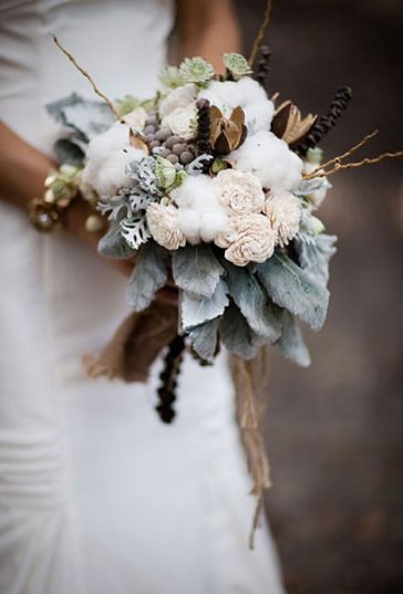 winter-wedding-bouquet_Lauryl-Lane