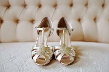 zapatos-dorados-rachel-simpson