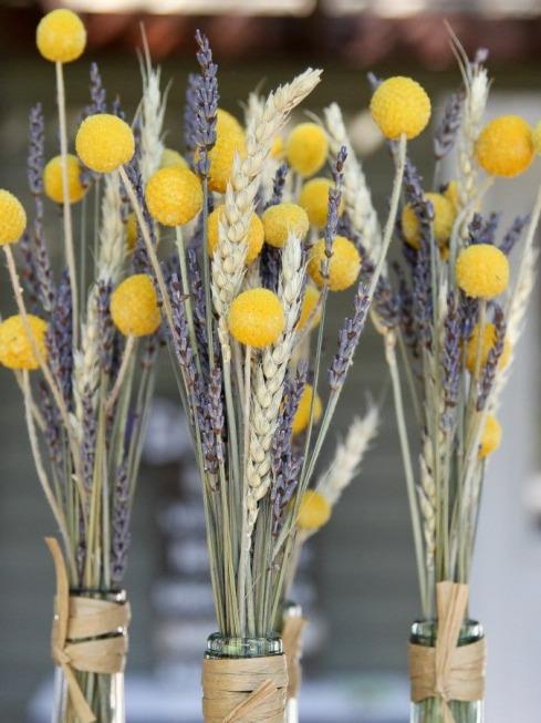 centros de flores con craspedias