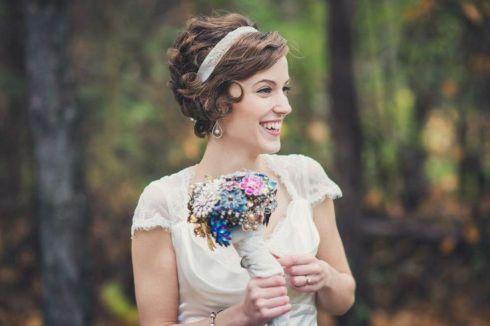 novia-con-pelo-corto-y-diadema
