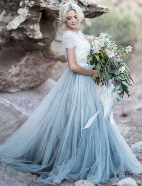 brides in blue